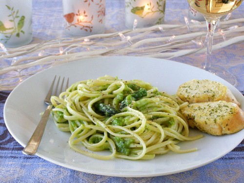 Light Lemon Pepper Asparagus Linguini