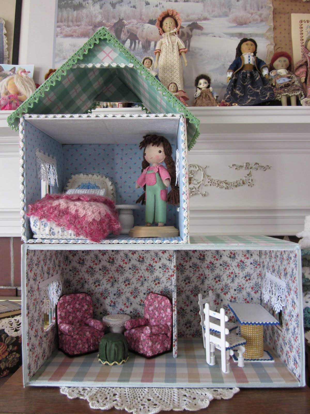 Как сделать домик для кукол своими руками из коробок видео