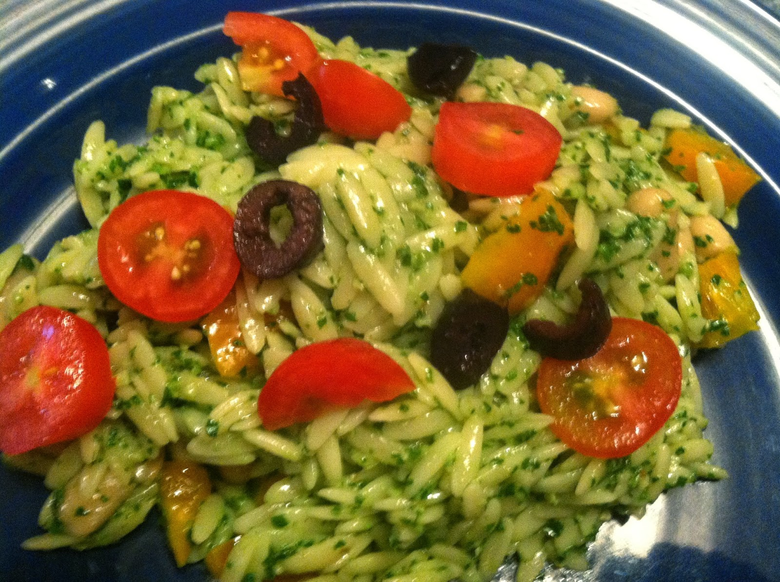 Orzo Salad with Kale Pesto for #SundaySupper picnic! Cooking Chat recipe