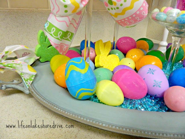 spring decor in the kitchen, Annie Sloan Chalk paint, duck egg blue, coco, Easter eggs, mini cupcake stands