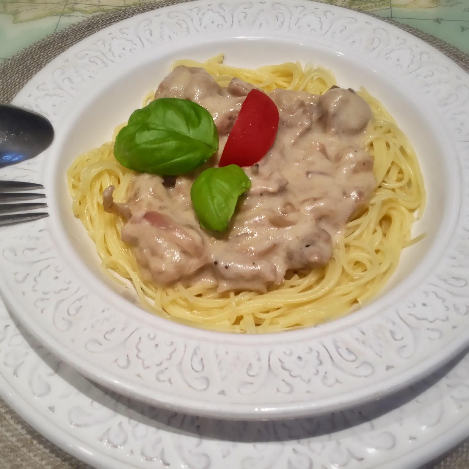 спагетти с курицей соус бешамель дор блю