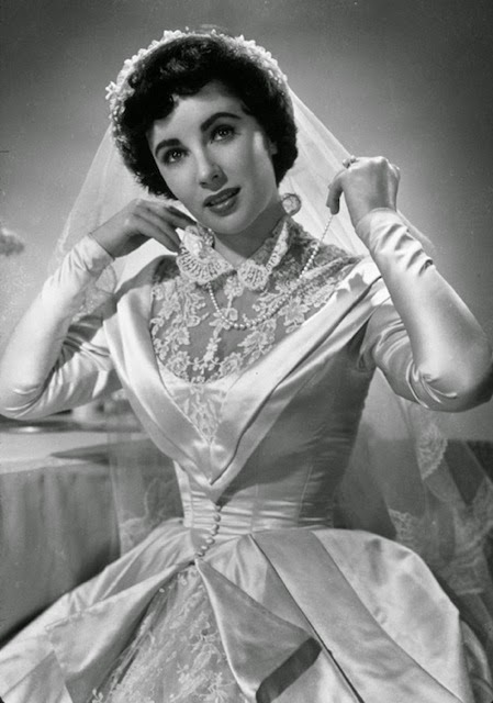 Vintage Wedding Dresses in the movies: Elizabeth Taylor in 1950s dress for Father of the Bride