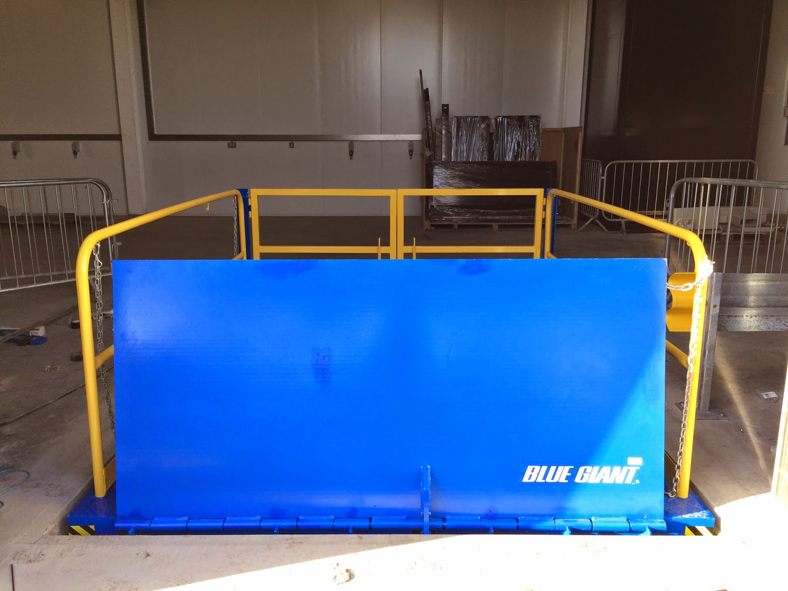 loading dock scissor lift platform