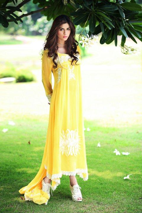 http://2.bp.blogspot.com/-umKOzIFP7MQ/Tlc_M8UNxQI/AAAAAAAAElg/T_QqhqpzcA8/s1600/Yellow+Casual+Wear+by+Farida+Hasan.jpg