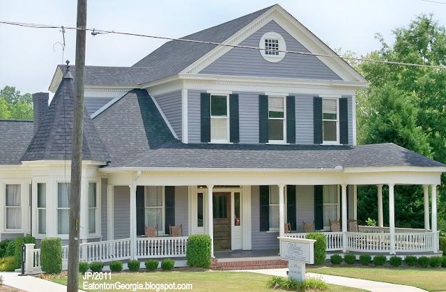 ... GEORGIA, Williams Funeral Home Parlor Eatonton GA. Putnam County