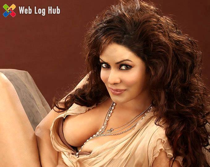 Sexy Actress Poonam Jhawar Spicy Hot Glamourous Still in a Bollywood Movie - Web Log Hub
