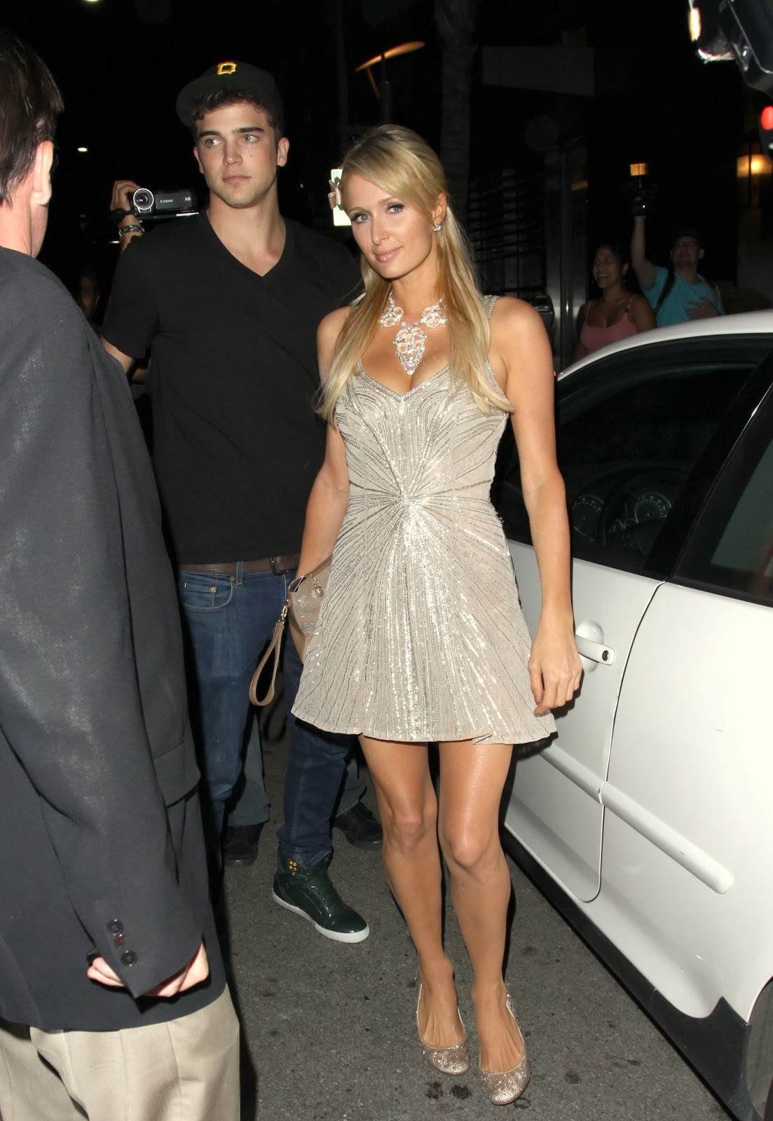 hiltons dating Who is paris hilton dating who paris hilton dated list of paris hilton loves, ex boyfriends breakup rumors the loves, exes and relationships of paris hilton, li.