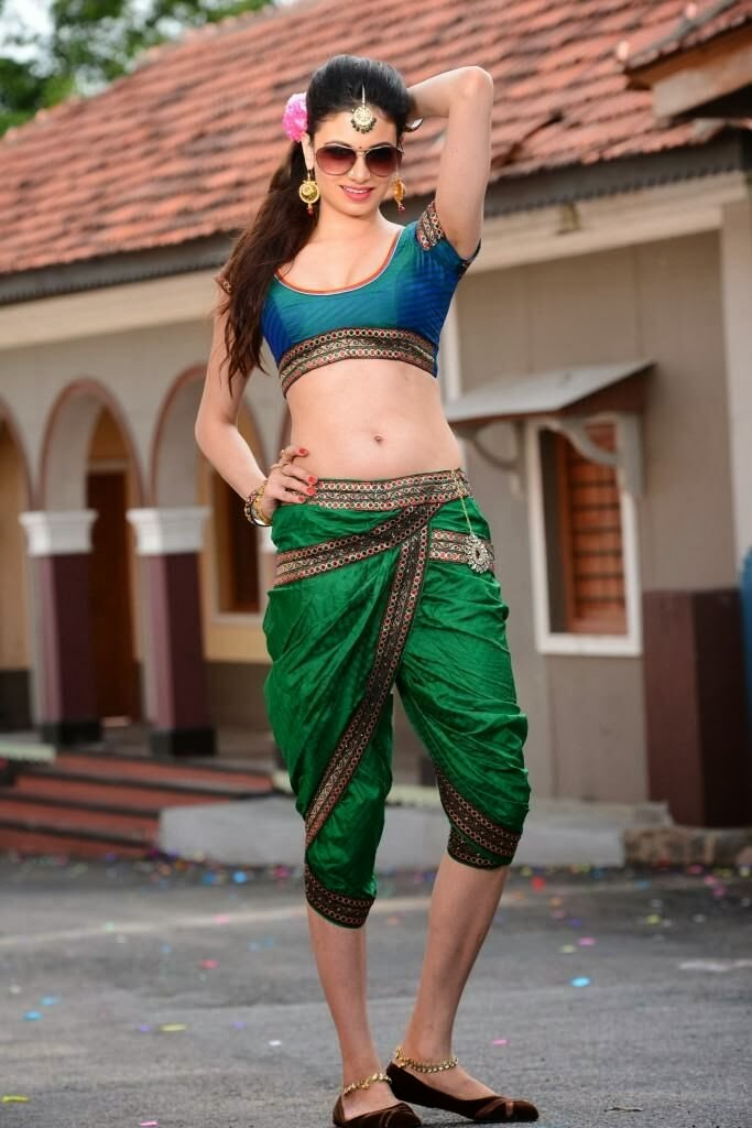 Hot Simran kaur in green half saree photo gallery