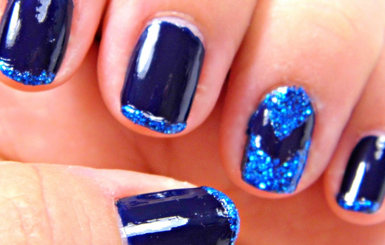 W7 Cosmic Nail Dust Duo in Navy 32 and Dark Blue - Chevron Accent ...
