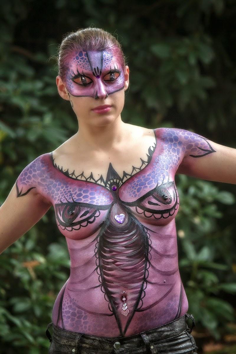 Body painting in Elfia 2013 Kasteeltuinen Arcen