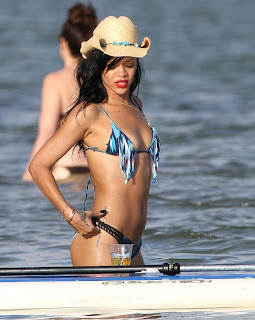 Rihanna Hot Photos In Bikni Hawaii