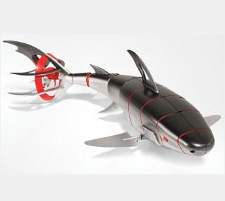 Огромная белая акула терроризирует черноморский отель!