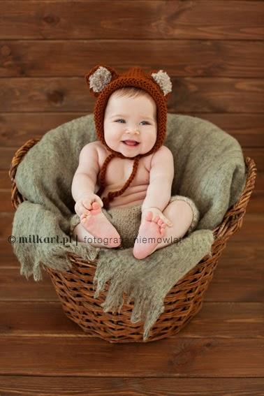 sesja fotograficzna niemowląt, zdjęcia noworodków, artystyczne sesje zdjęciowe, studio fotograficzne w poznaniu
