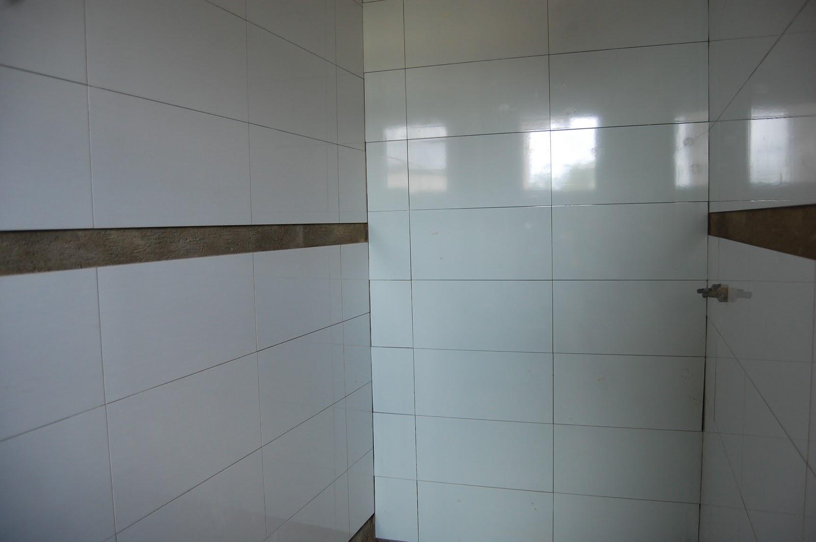 Larissa & Valmon Banheiro Suí -> Banheiros Com Pastilhas Na Horizontal