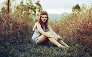 Cute Young Girl Short Jeans Vintage Long Hair Sepia HD Wallpaper