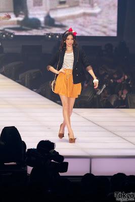 http://2.bp.blogspot.com/-uoWBFWHA1TA/Tl-jkqJLpfI/AAAAAAAAAiI/wFCcZnpER8U/s400/Tokyo-Fashion-Brands-Girls-Collection-2011-SS-580x869.jpg