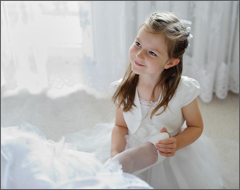 mažos mergaitės per vestuves
