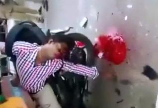Agoniza Después de Chocar con su Moto