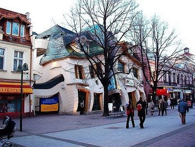 Weird Buildings - Crooked House
