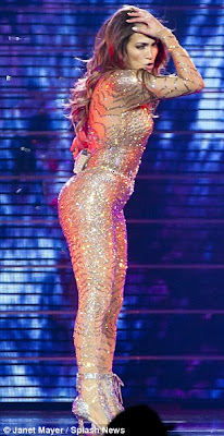 Jennifer Lopez Crying Out Stage
