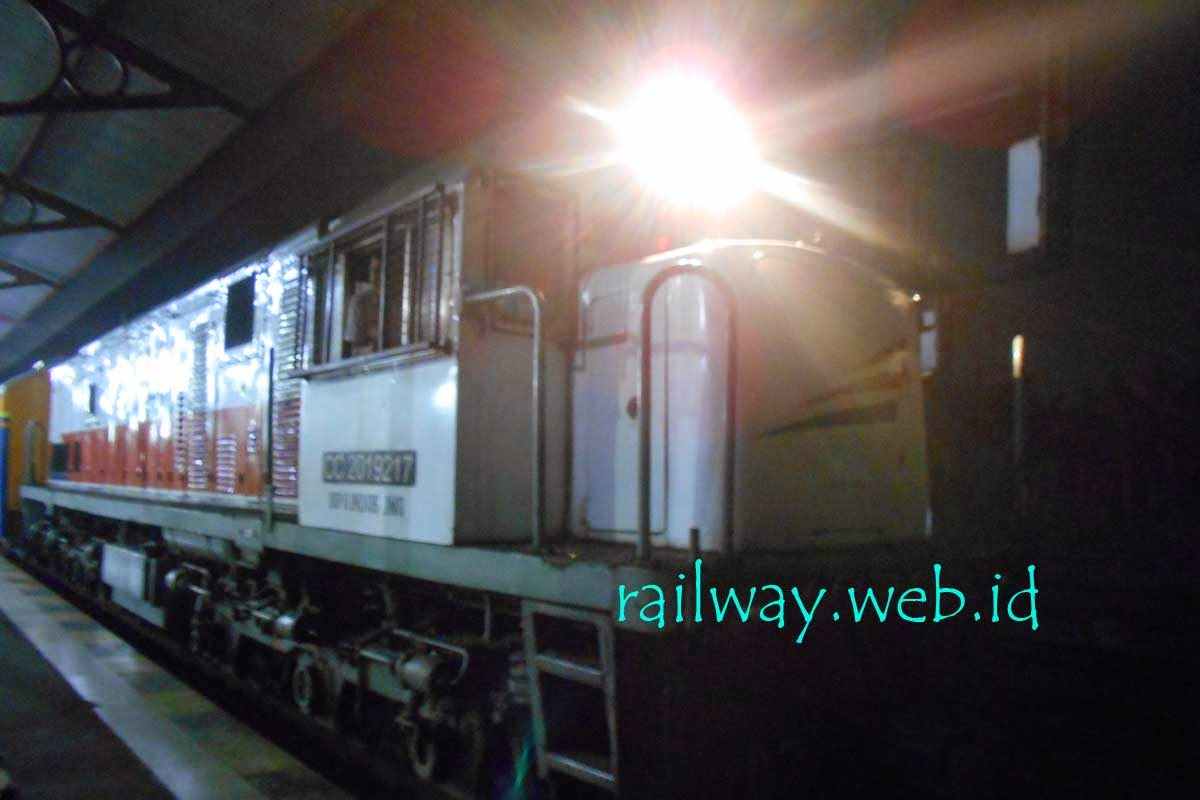 lokomotif penarik arjuno ekspres