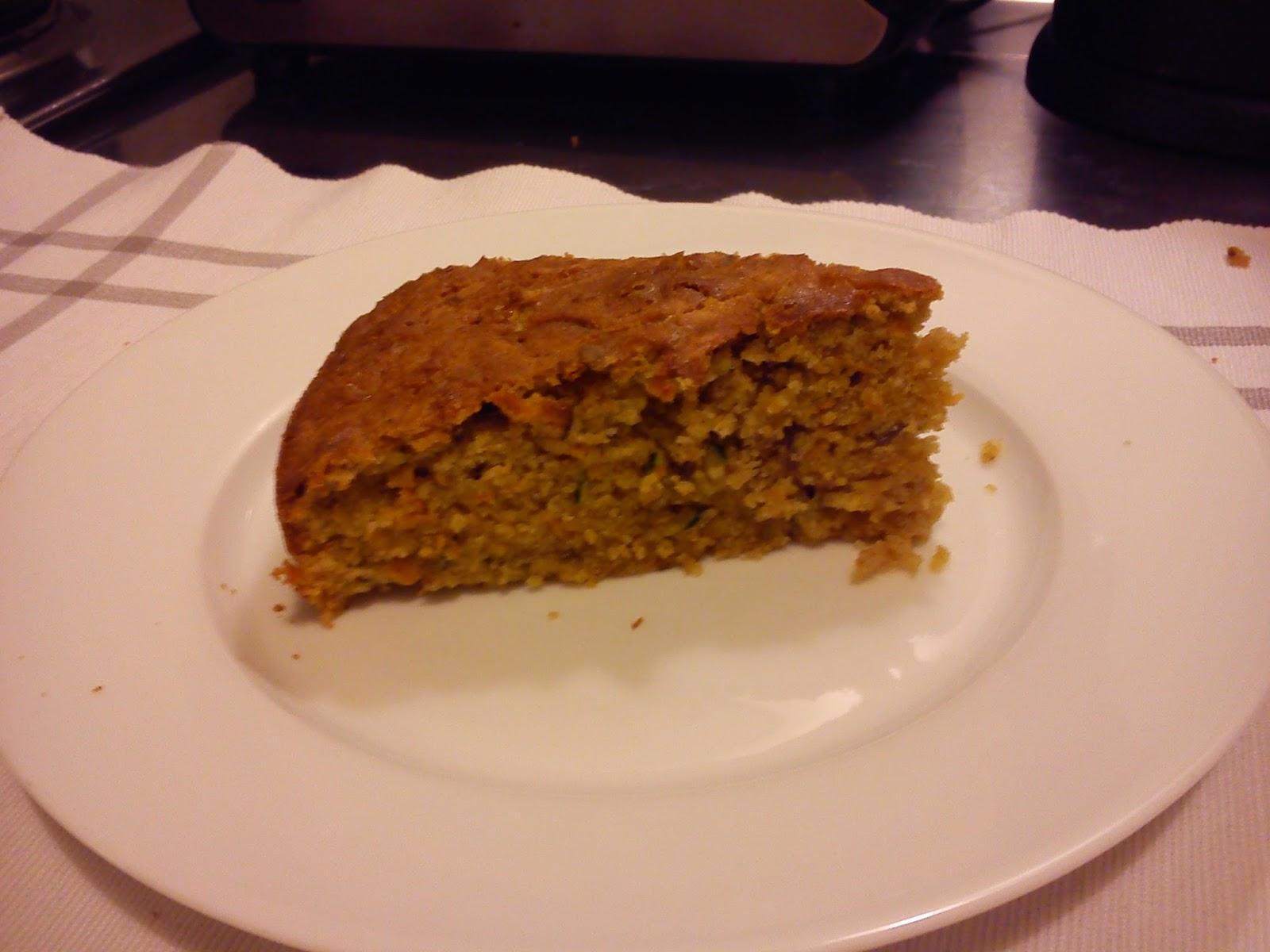 Reseptin mukaan leivottu bataattikakku on ihanan pehmeää.