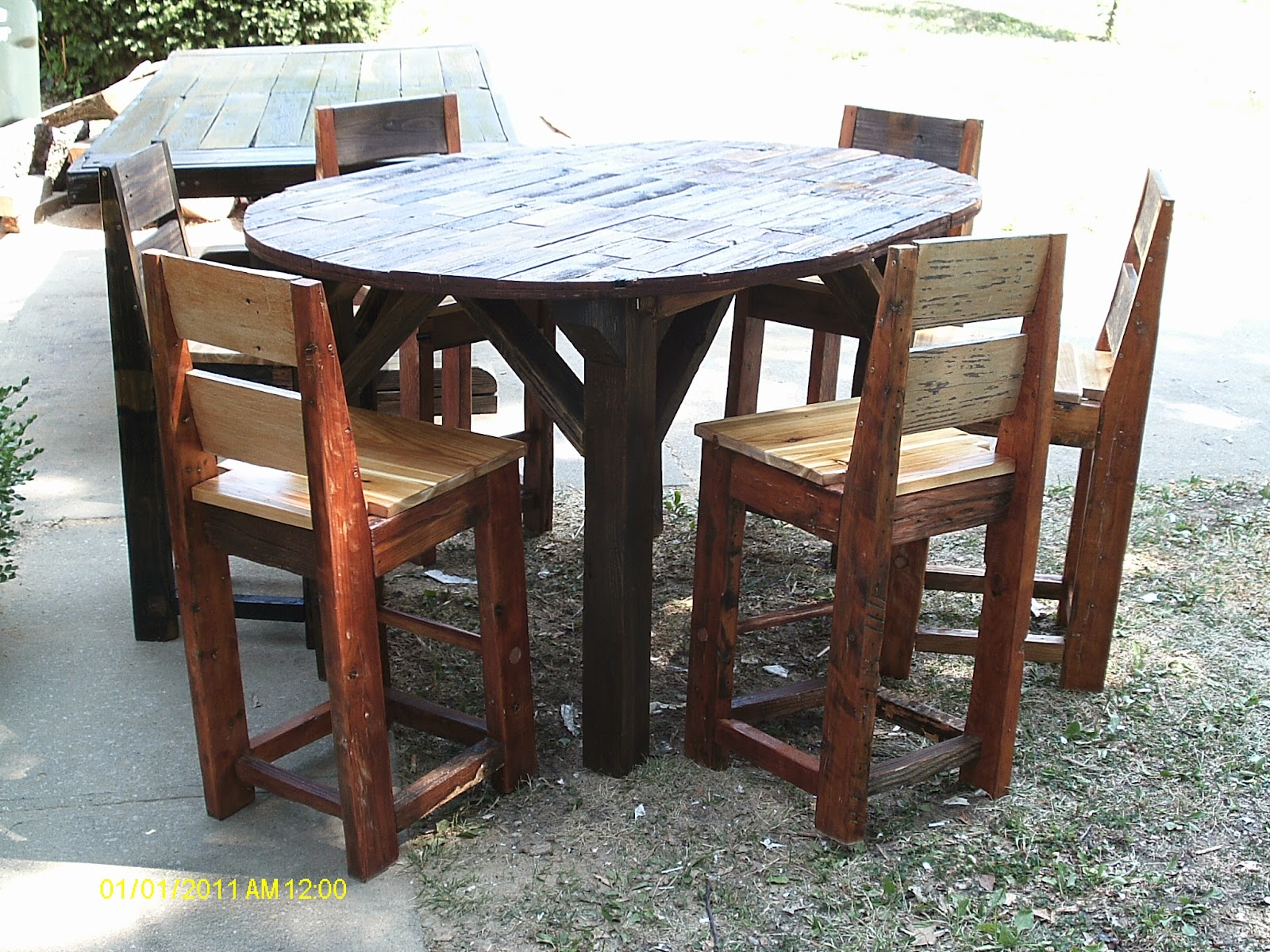 Handmade rustic log furniture 48 x 36 tall pub table with leaf the table and chairs are made from reclaimed fence and barnwood the table top has 3 staines and some boards are natural i used ebony golden oak watchthetrailerfo