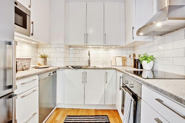 Cocinas blancas grandes peque as en l o en u modernas for Cocinas bonitas blancas