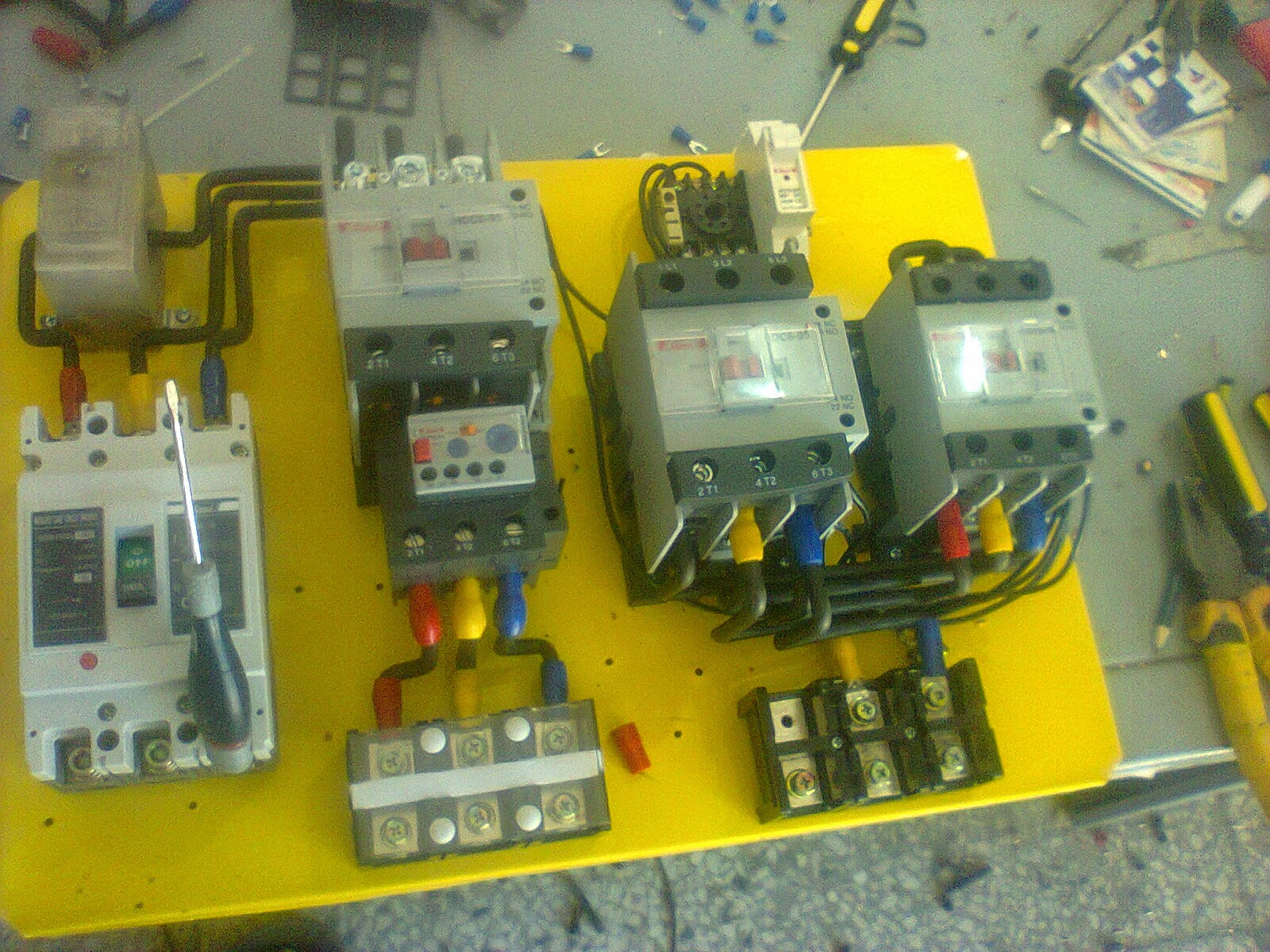 Star Delta 3 Phase Motor Automatic Starter With Timer Electrical 1 Control Wiring Diagram Note That One Of The Contactor Acts As A Switch For Start Button Effectively Looking Closed