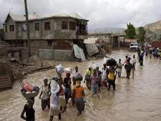 Isaac deja 8 muertos en Haití; 20 mil desplazados en Cuba