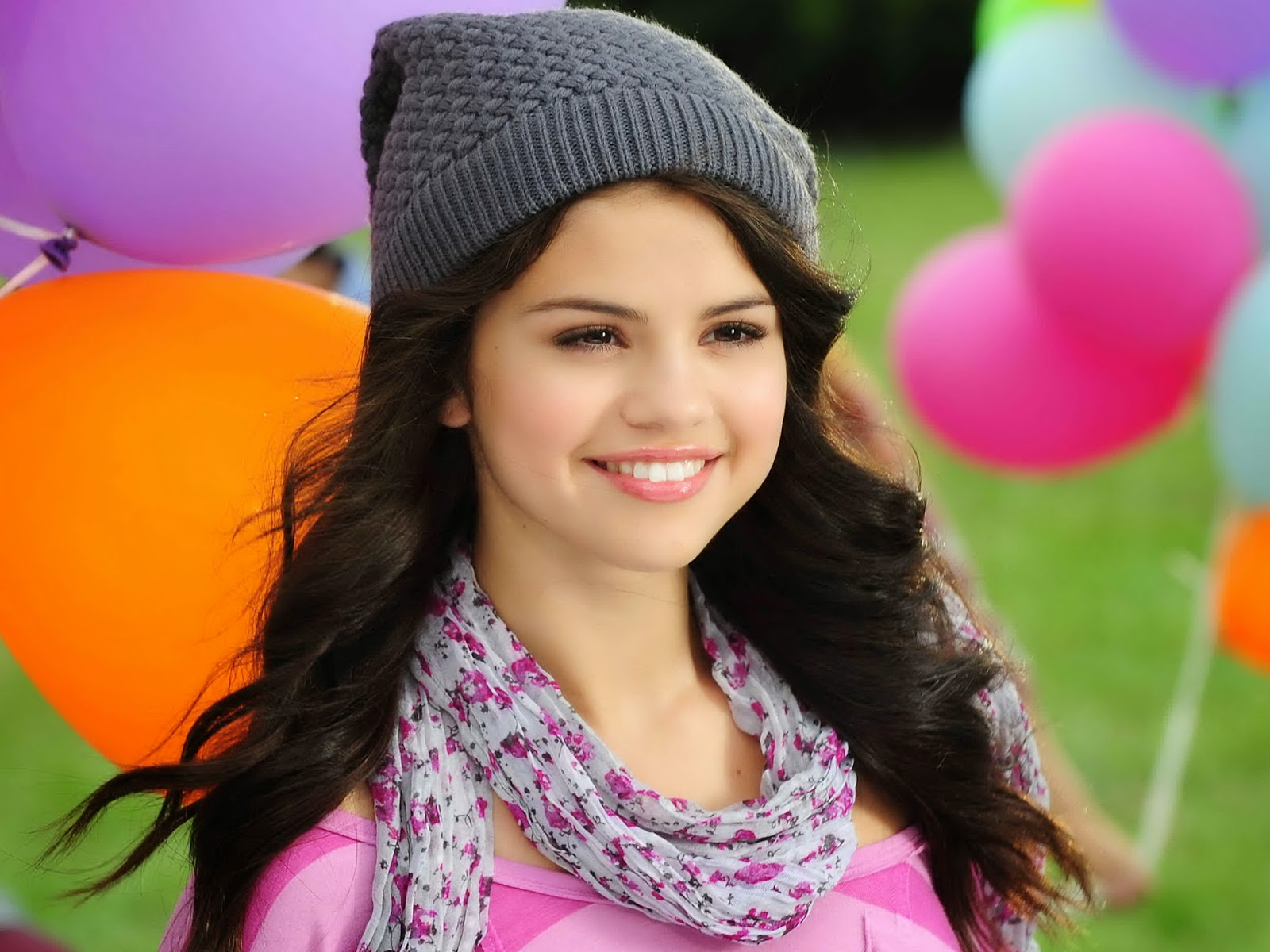 selena gomez hd wallpapers free download - lab4photo