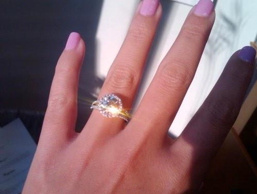 30 hermosos anillos de compromiso poco convencionales  - imagenes de anillos de bodas de plata