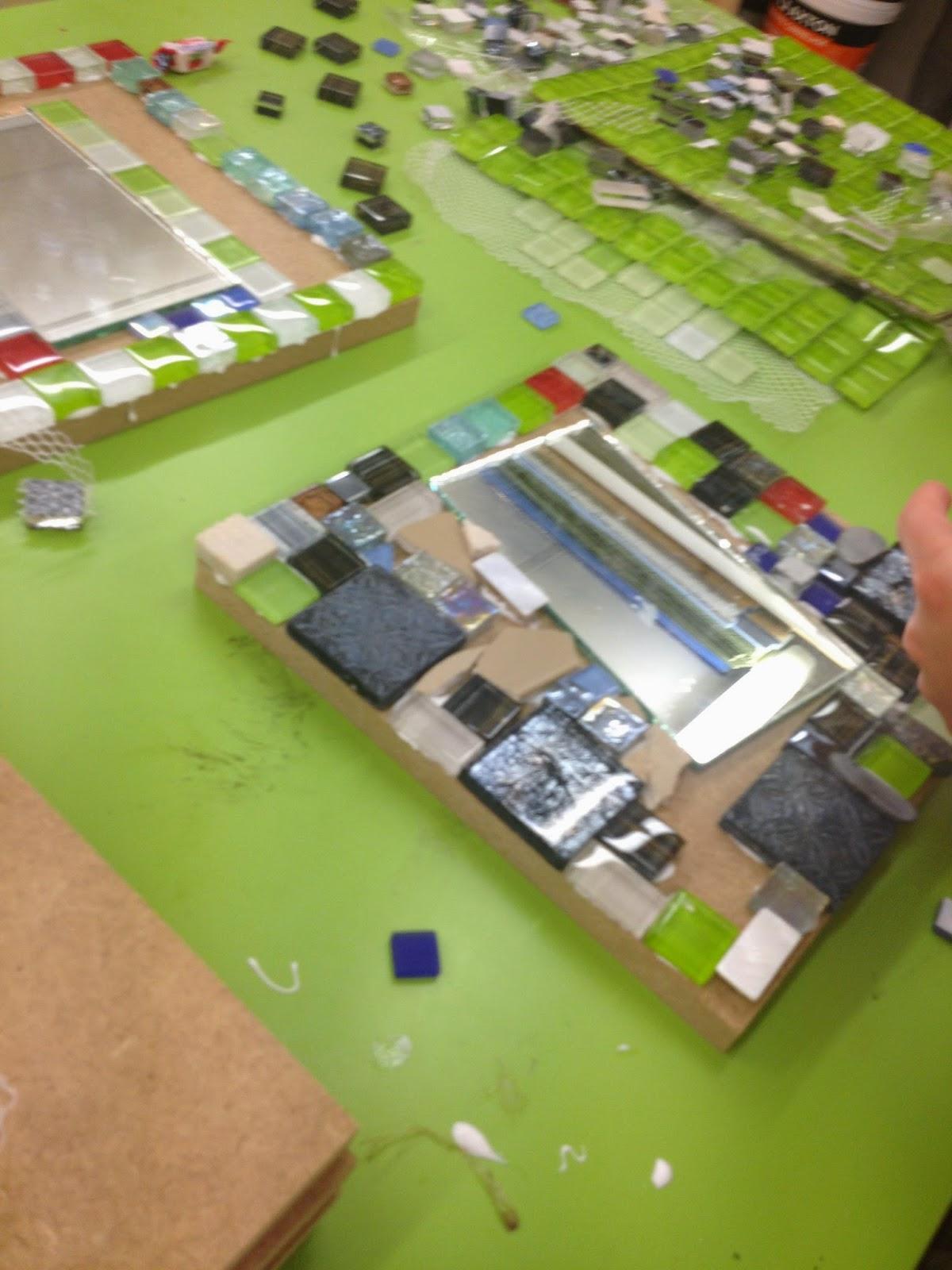 journ e de cours pour enfants sur le th me de la mosa que. Black Bedroom Furniture Sets. Home Design Ideas