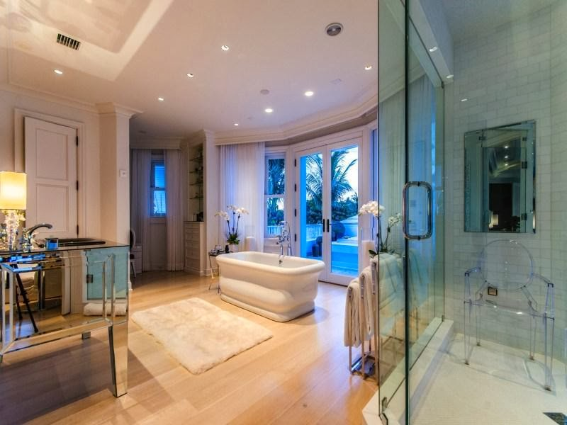 Bathroom in Custom built celebrity home for Celine Dion