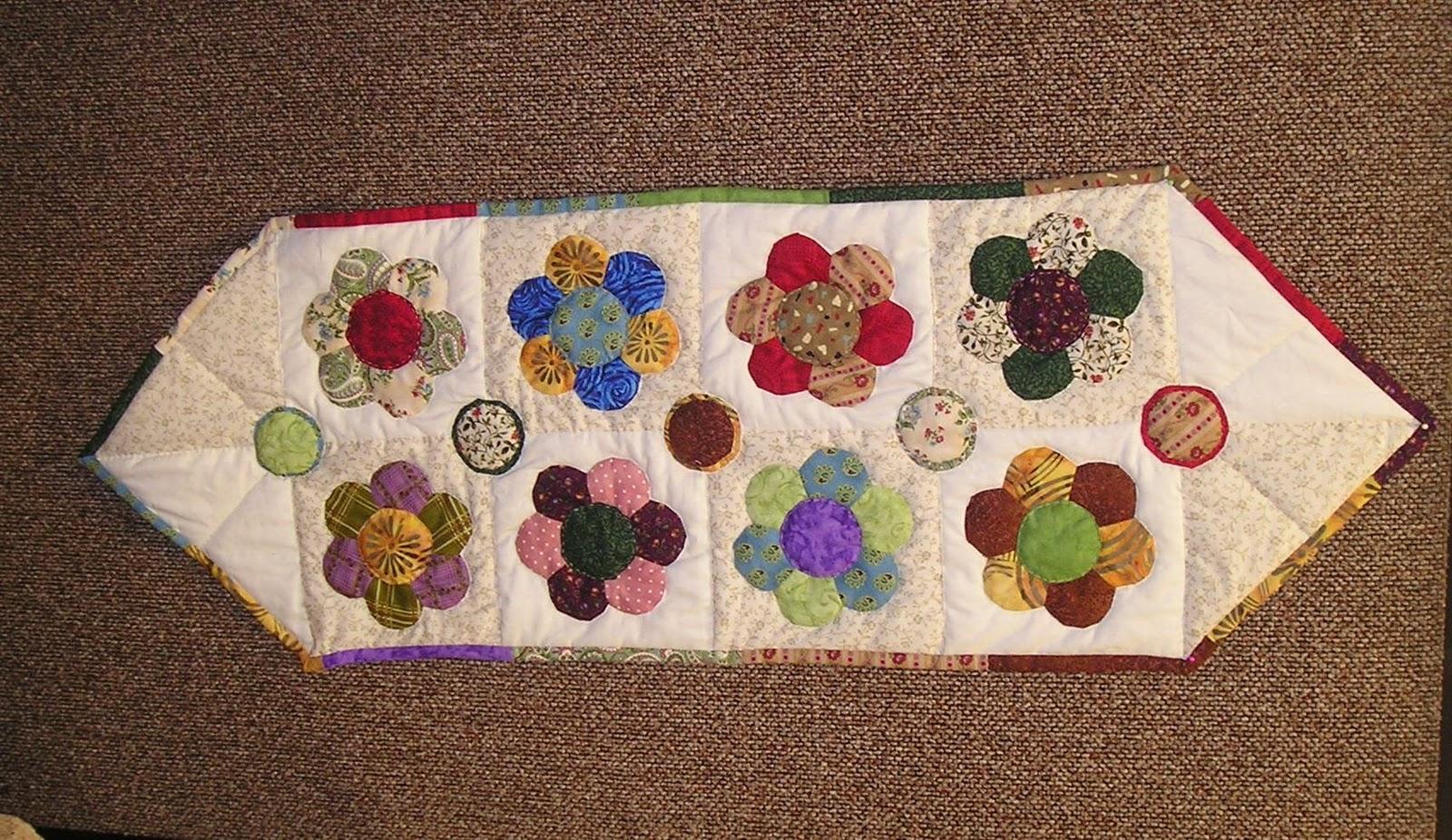 Luchi patchwork trabajos alumnas de mieres - Camino mesa patchwork ...