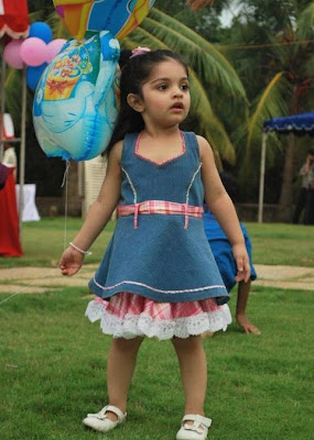 Ajith daughter Anoushka Photo