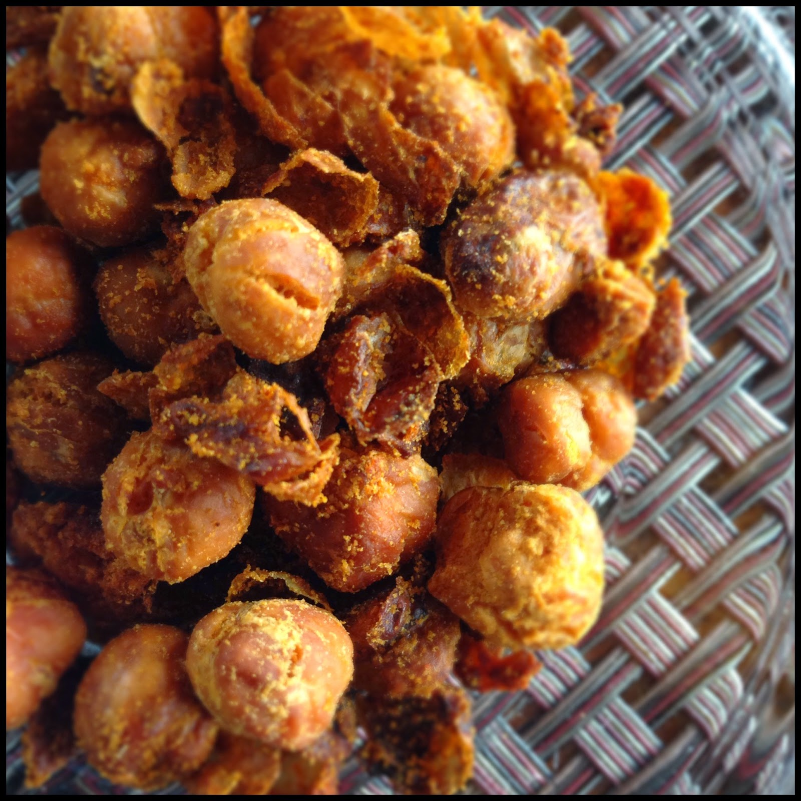 Spindles and Spices: Roasted Chickpea Snack with Smoked ...