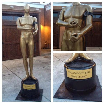 This Giant Cocaine Snorting Oscar Statue Has Taken Over Hollywood Boulevard