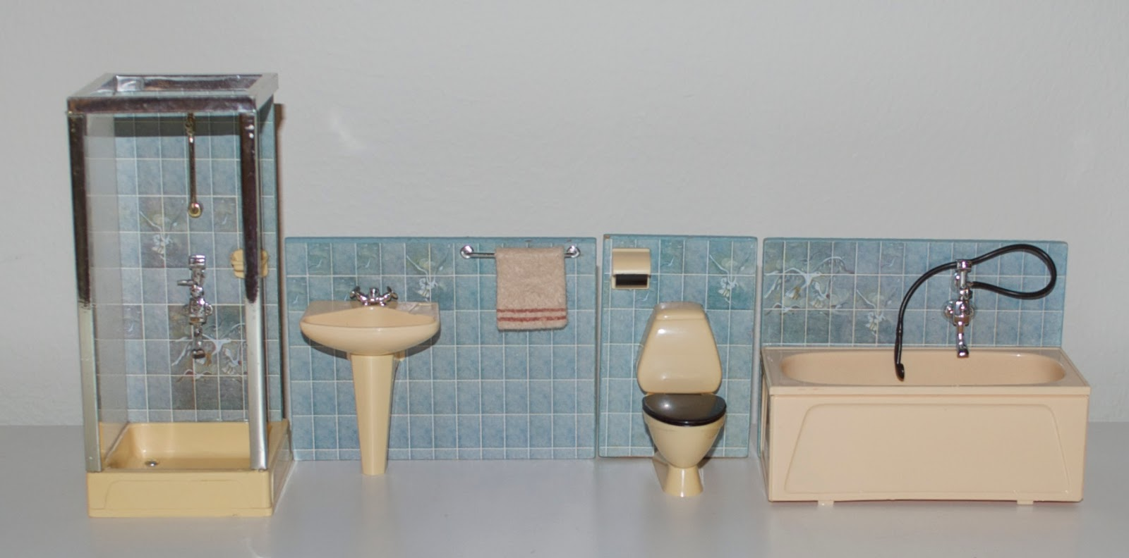 ordningsfrun: A history of Lundby bathroom furniture