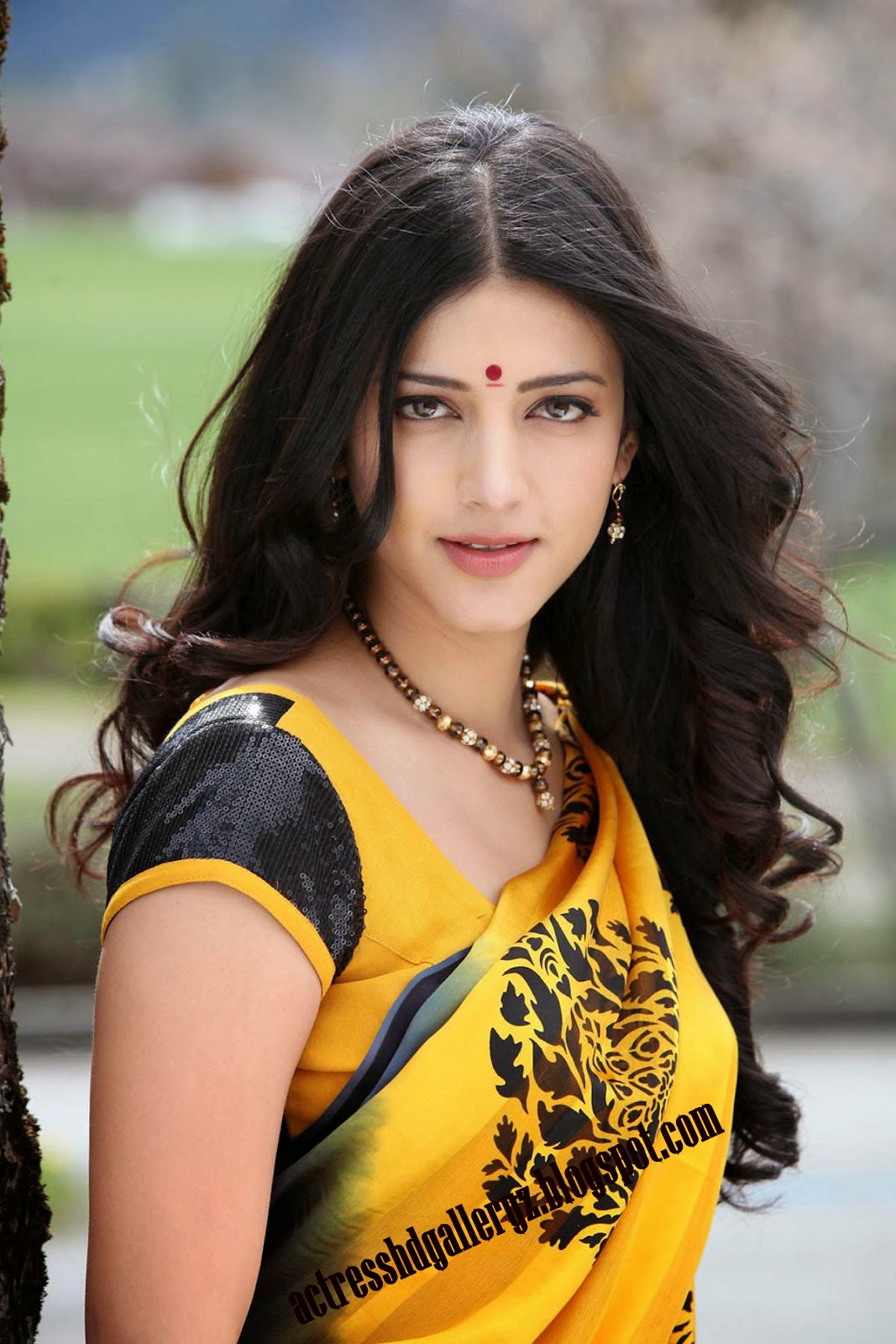 S, Shruti Hassan, Shruti Hassan Hot pics, HD Actress Gallery, latest Actress HD Photo Gallery, Latest actress Stills, Telugu Movie Actress, Tollywood Actress, Indian Actress, Actress, Saree pics, Shruti Hassan Half Saree & Saree HD photo Still --hdgalleryz