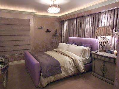 habitación púrpura y plata