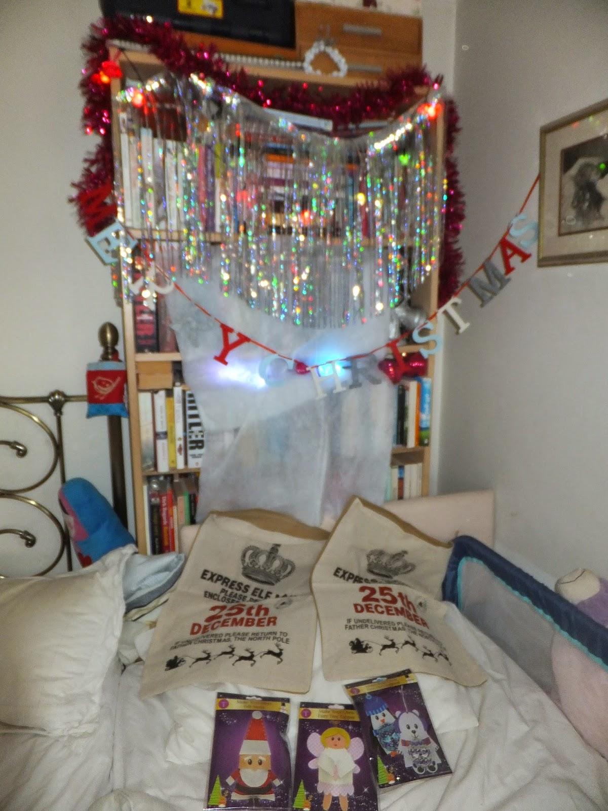 Christmas Decorations Poundland : Decorating for christmas with poundland