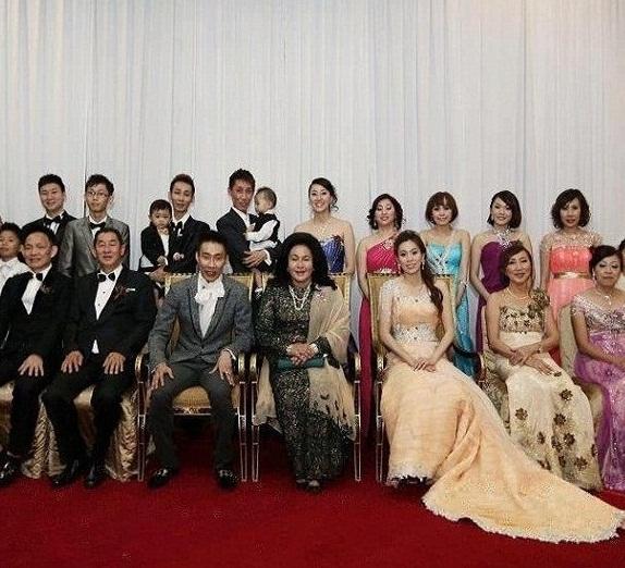 Gambar pernikahan Lee Chong Wei dan Rosmah Mansor?