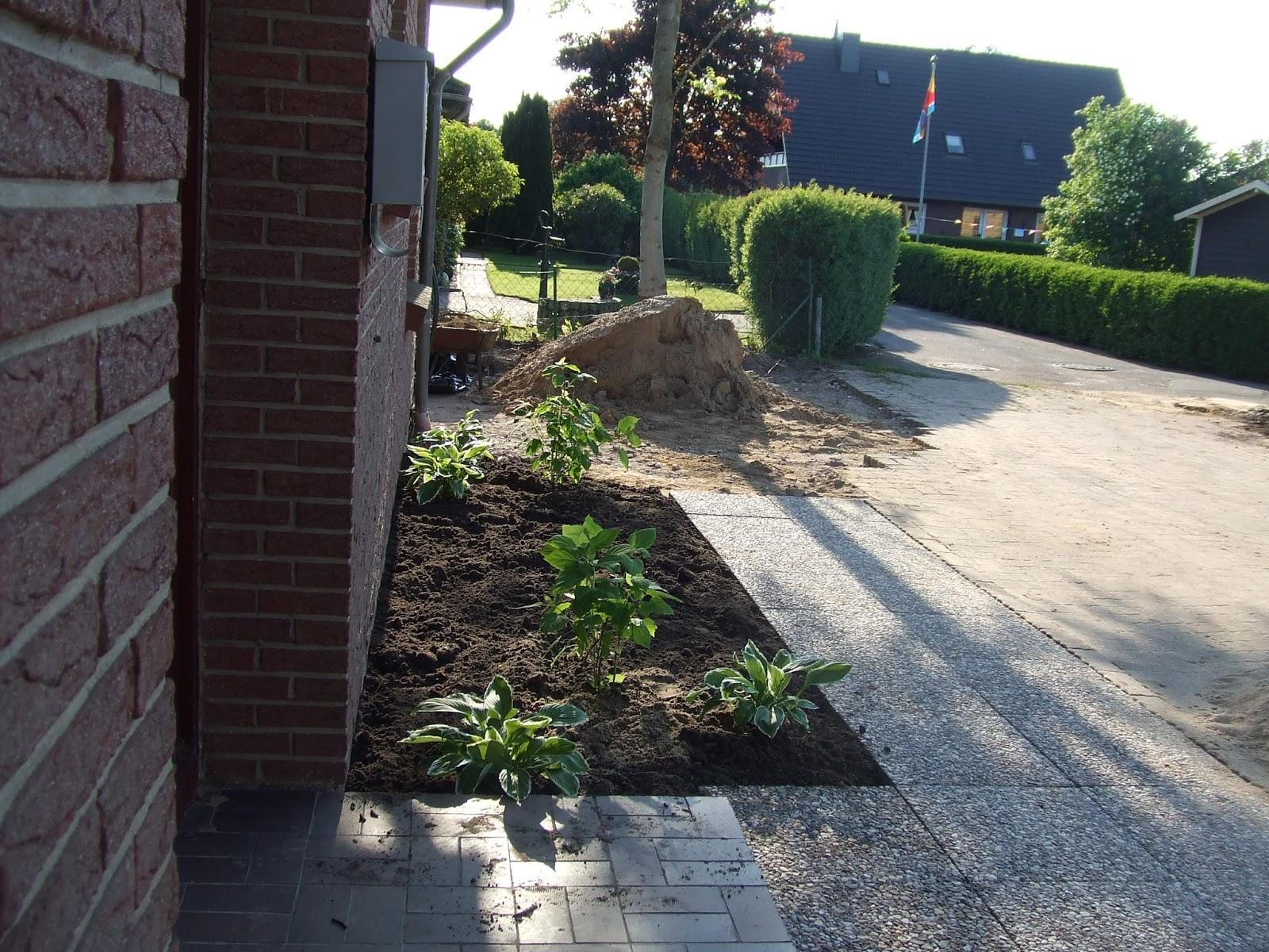 Schön Vorgarten Mit Steinen Design