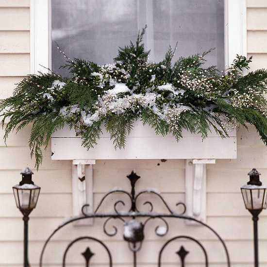 Beautiful Christmas Decorating Idea Window Box 550 x 550 · 112 kB · jpeg