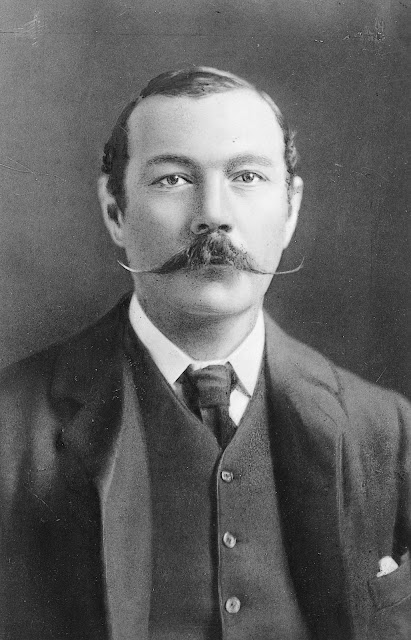 Arthur Conan Doyle, The Jew's Breastplate, Relatos de terror, Horror stories, Short stories, Science fiction stories, Anthology of horror, Antología de terror, Anthology of mystery, Antología de misterio, Scary stories, Scary Tales, Science Fiction Short Stories, Historias de ciencia ficcion, Tales of mystery