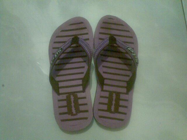 sandal wanita lebaran 2011 grosir karungan