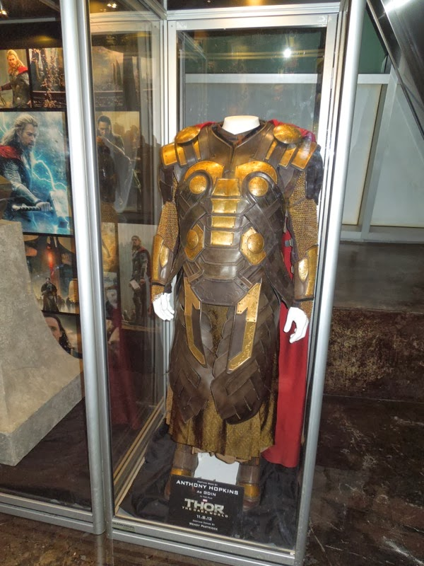 Anthony Hopkins Odin armour Thor 2