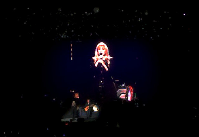 Image of Stevie Nicks doing Landslide - Verizon Center - 2014 10 31
