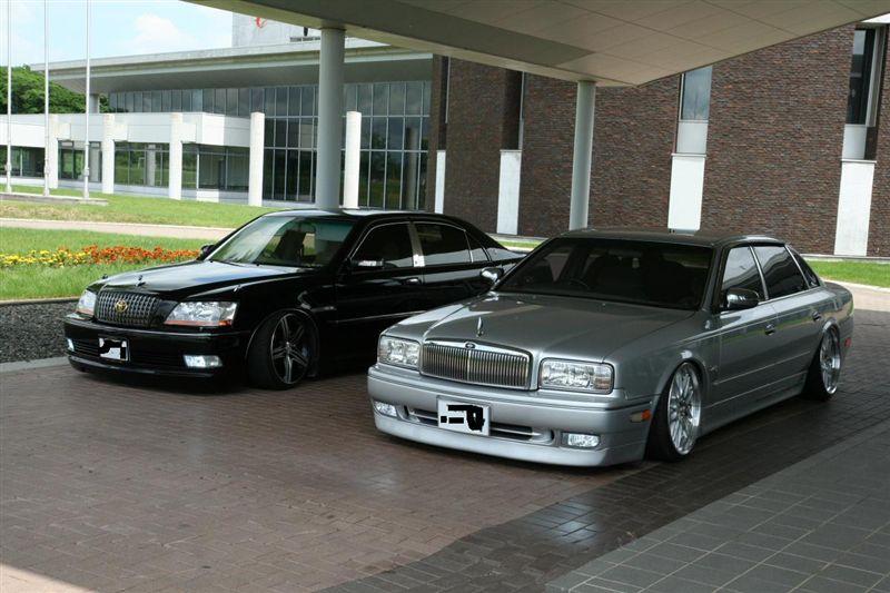 Toyota Crown S170 4.0L V8 i Nissan President HG50 4.5L V8. japońskie luksusowe limuzyny, 4-drzwiowe, wygodne, JDM, napęd na tył, RWD, sedan, komfortowe, duże silniki, 280 KM, zdjęcia, fotki